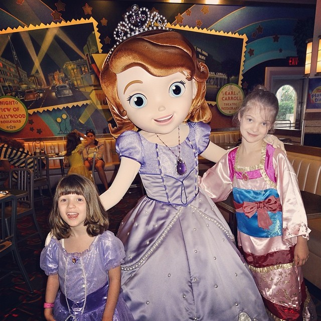 Kate Amp Sara With Sophia The First At The Playhouse Disney