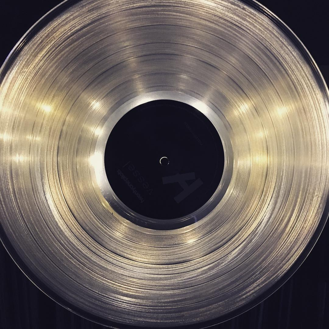 LED marquee lights behind a clear #vinyl record....just before I placed it on the platter after my 10-mile run this morning. #running #music #twentyonepilots