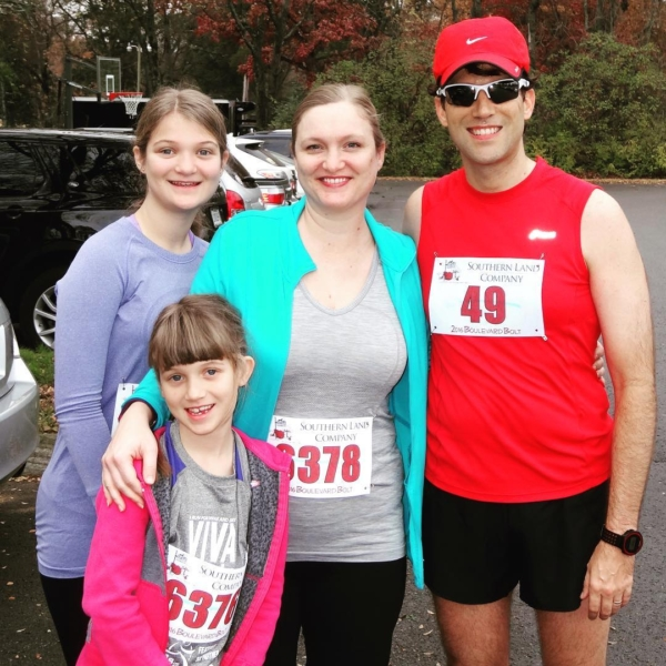 Today's Boulevard Bolt 5-miler was a full Team Agee event. Even though it was tough day for me, I loved getting to run back and do the last mile again with my girls. I'm proud of them for finishing strong! #running #family