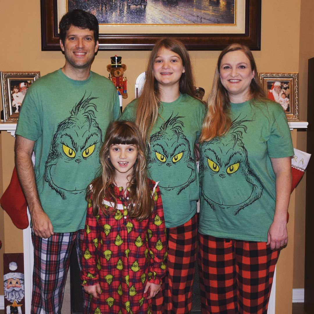 Merry Christmas From The Grinches Of Team Agee Family Christmas Grinch Running With Team Agee