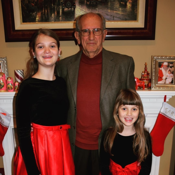 Papa with his girls. #family #christmas
