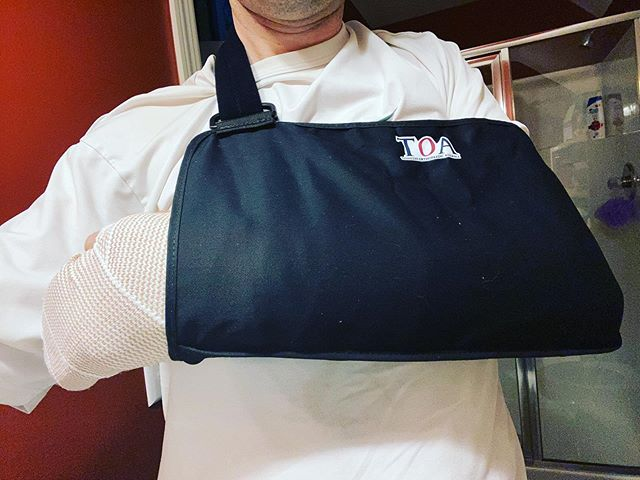 Quick update … The surgeon said that everything went well yesterday. It took four screws to repair the bones and the ligament. I'm not sure what the pain will be like because the nerve block in my left arm has still not completely worn off. Thanks to everyone for all the prayers. I really appreciate them.