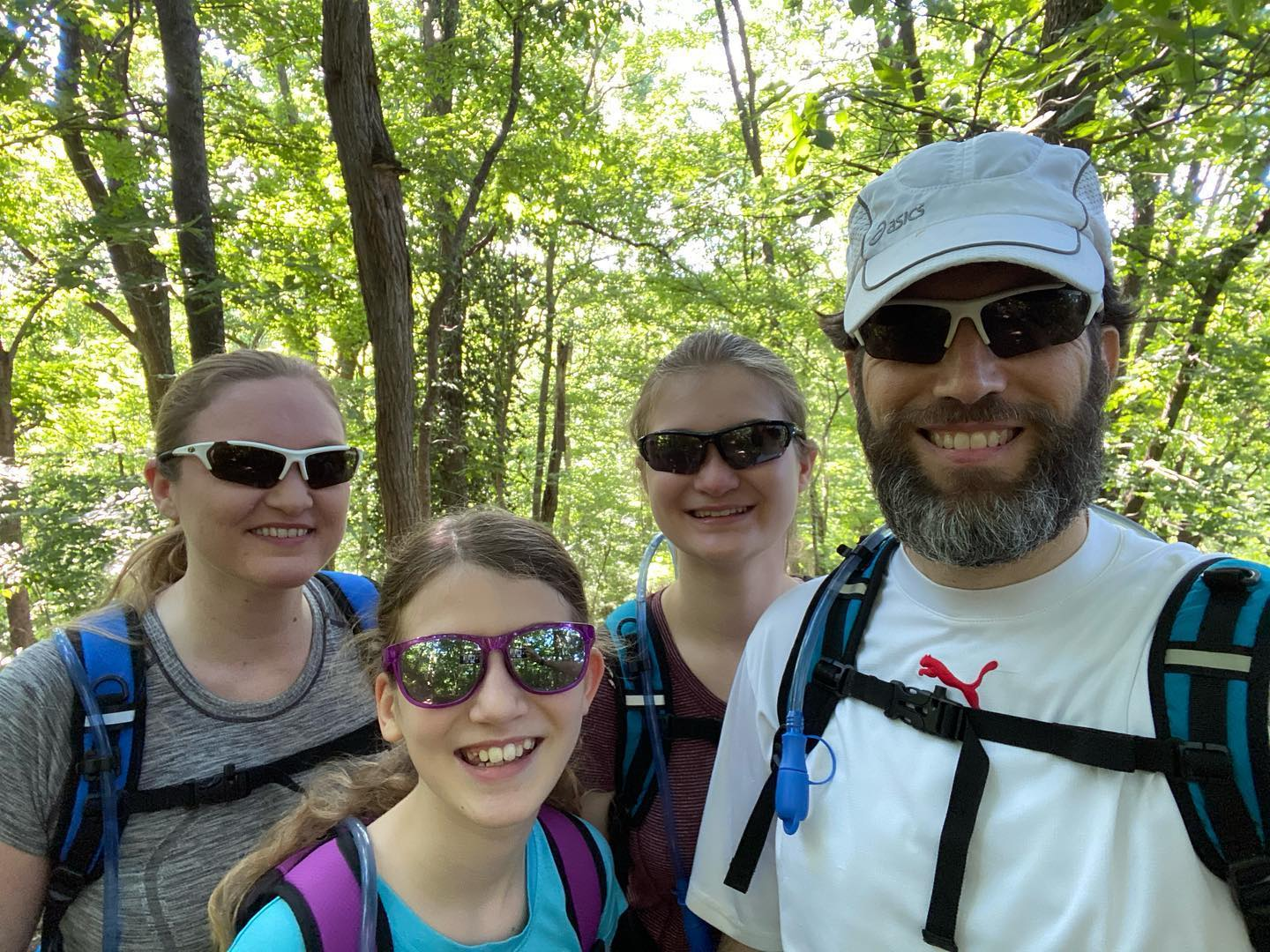 Red Trail!! #family #hiking