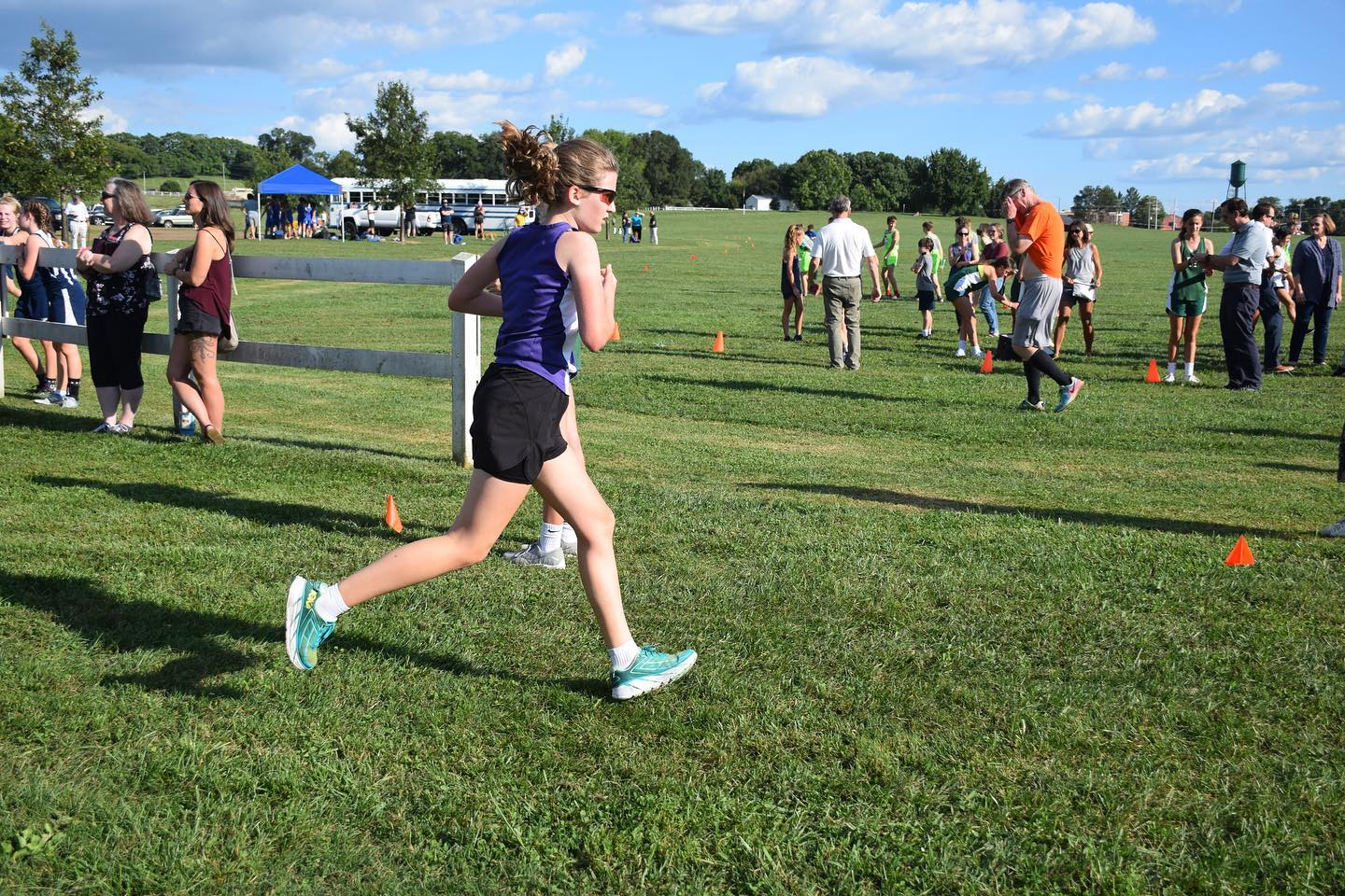 Another middle school cross country meet is in the books, and Sara set another 2-mile personal record with a finish time of 16:22, which is 55 seconds better than her time last week. So proud of how hard she is working, and it has been a blast watching her grow and get stronger in the sport that I love! Go Sara!! #family #running #crosscountry